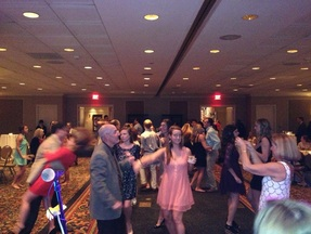 Great dance music can make your event spectacular. Choose Kidd Blue for sorority socials, company parties and weddings.